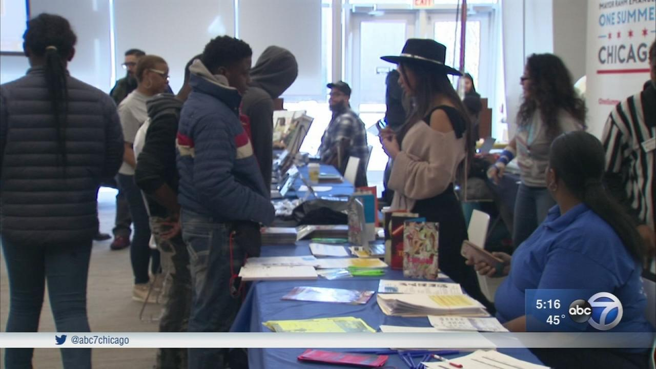 Chicago Park Dept. holds Teen Opportunity Fair