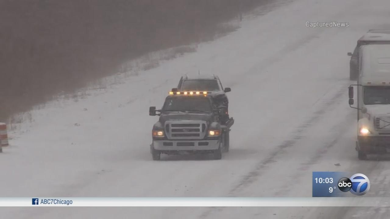 Snow, slippery roads cover Chicago area