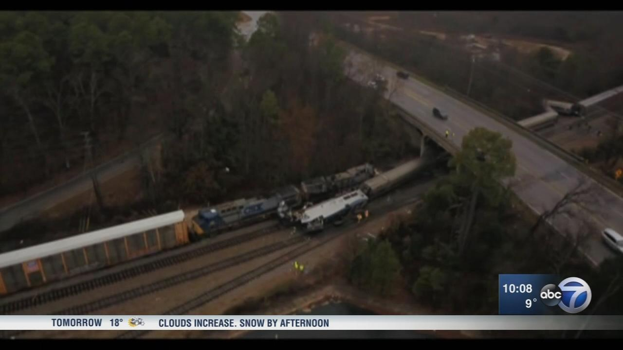 Amtrak crash kills 2 in South Carolina