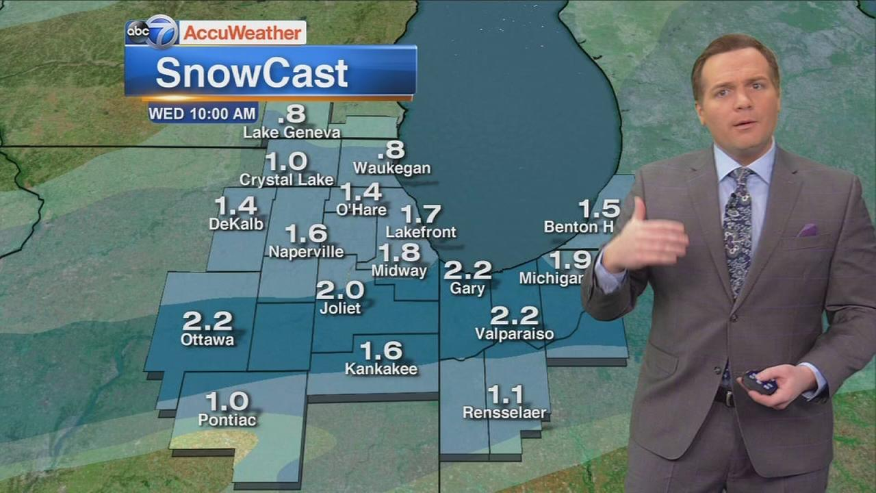 Chicago prepares for more snow Tuesday night