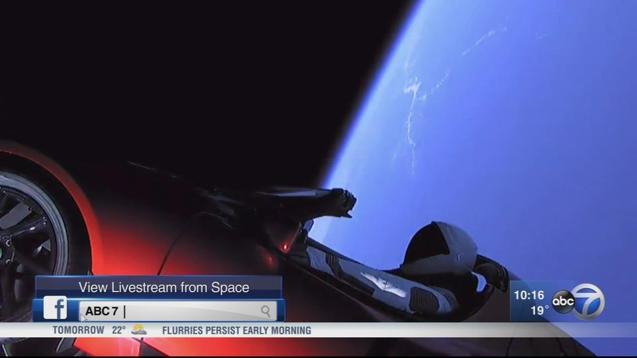 SpaceX Falcon Heavy launches with Tesla Roadster on top