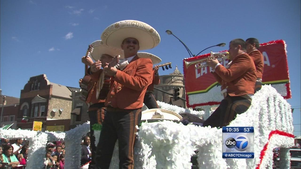 Politicians seek Latino votes at Mexican Independence Day Parade