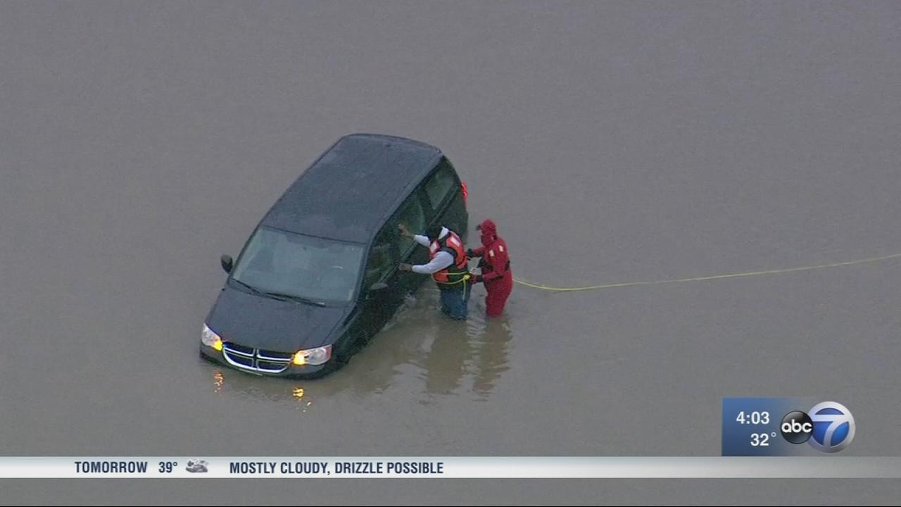 Homes, streets flooded in south suburbs, evacuations ordered in Marseilles