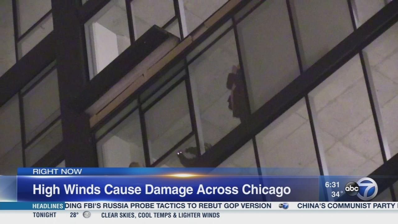 High winds cause damage across Chicago