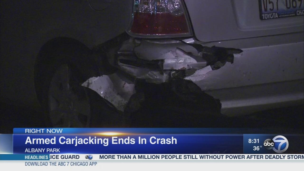 Jefferson Park carjacking leads to police chase, crash