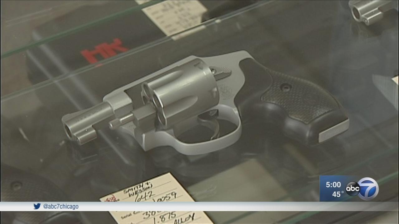 Chicago leaders urge Gov. Rauner to sign gun bill