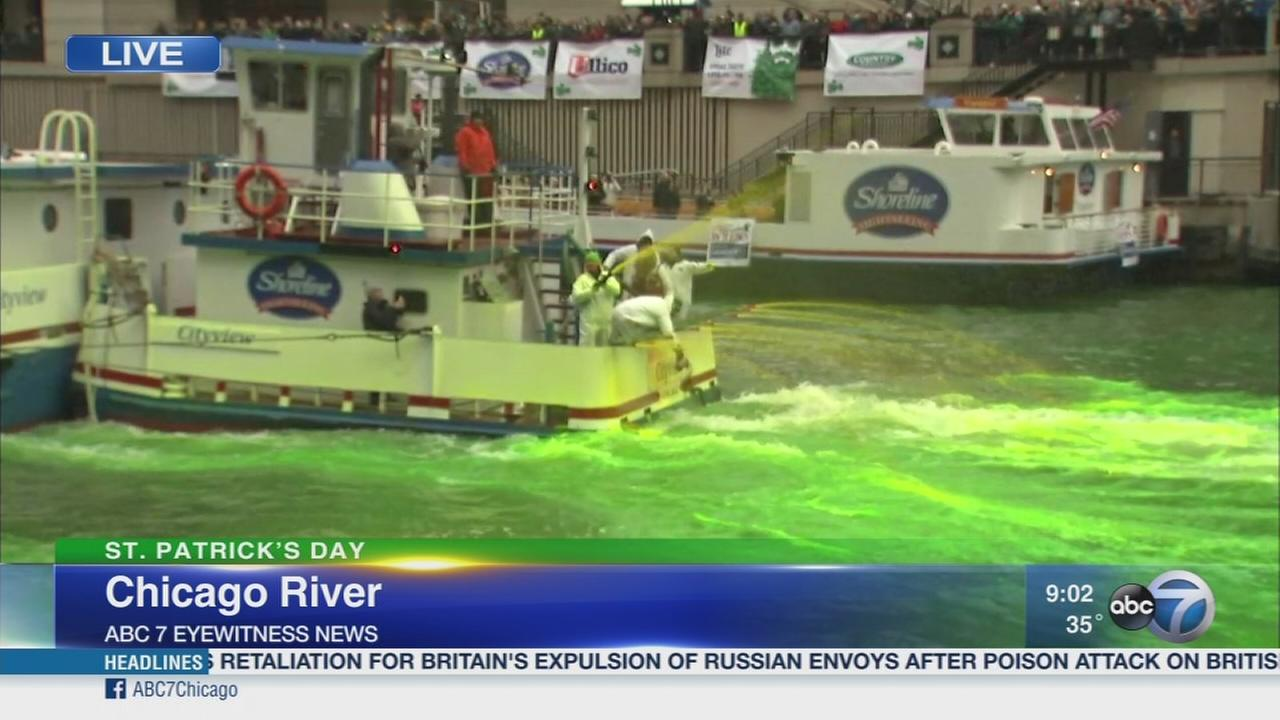 Chicago River turns green for St. Patricks Day