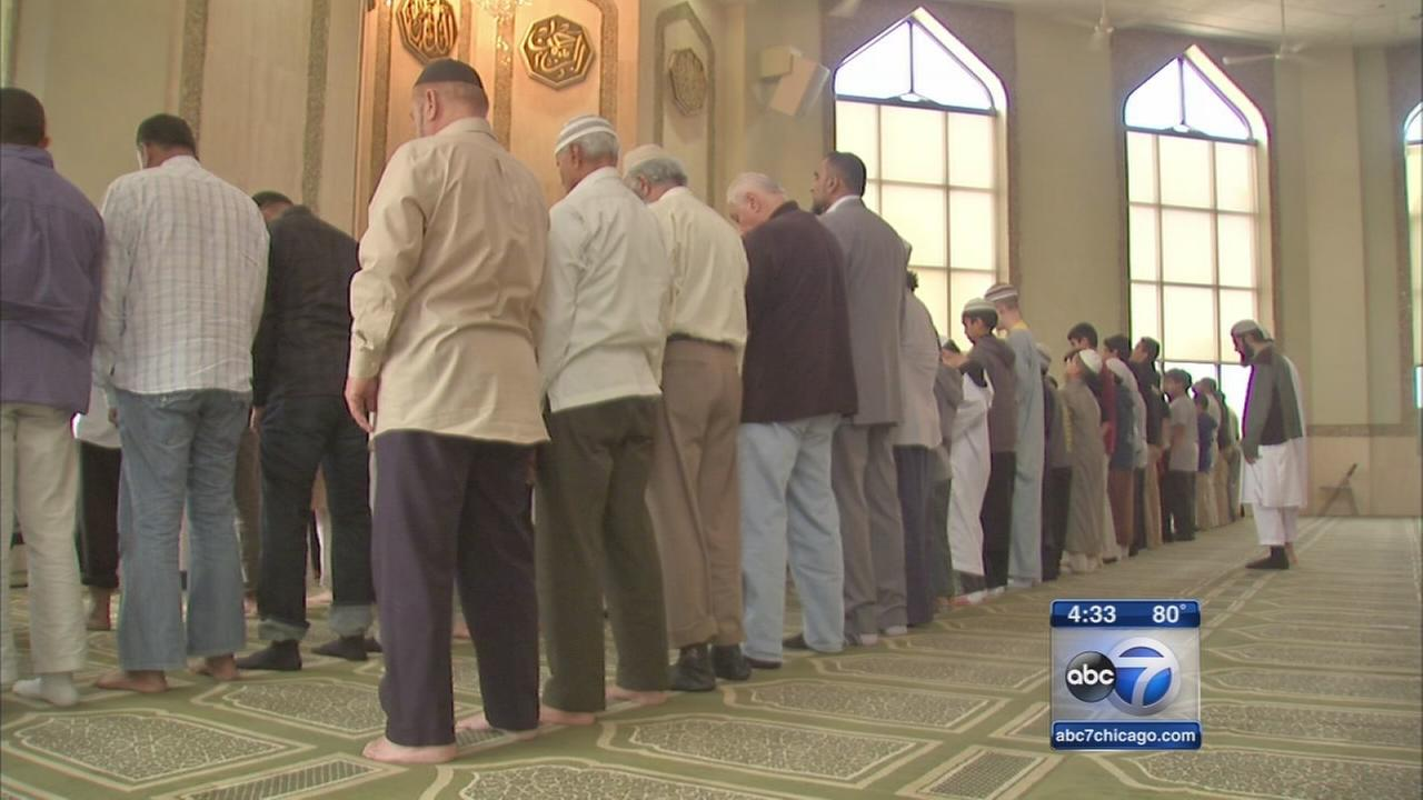 Chicago Muslim community speaks out against extremists