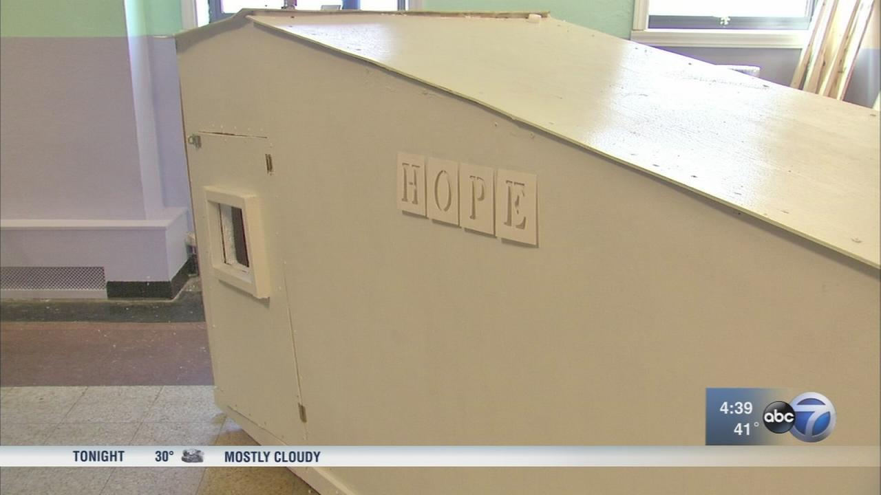 Students create portable shelters for homeless