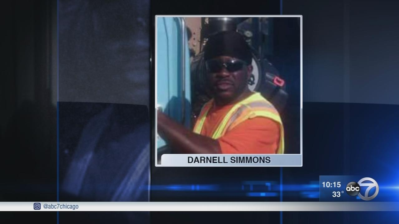 Streets and Sanitation trucks pay tribute to slain worker