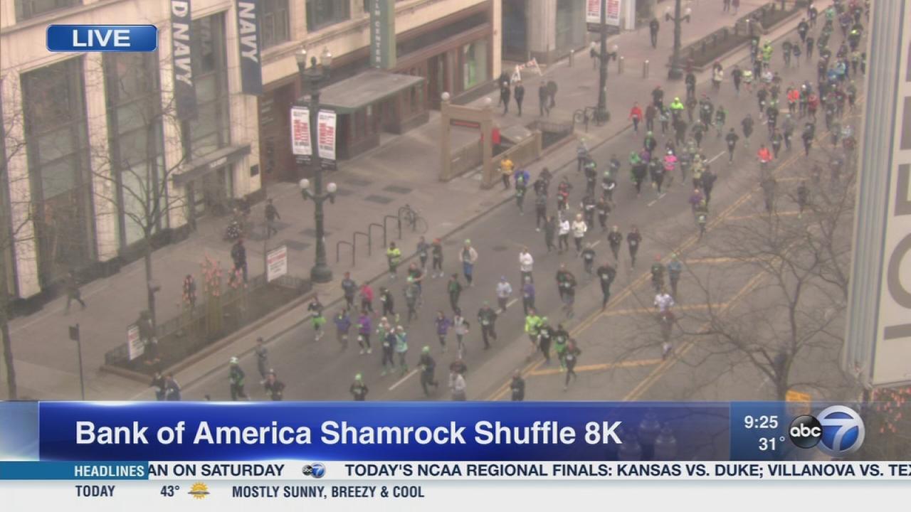 Shamrock Shuffle runners hit Chicago streets