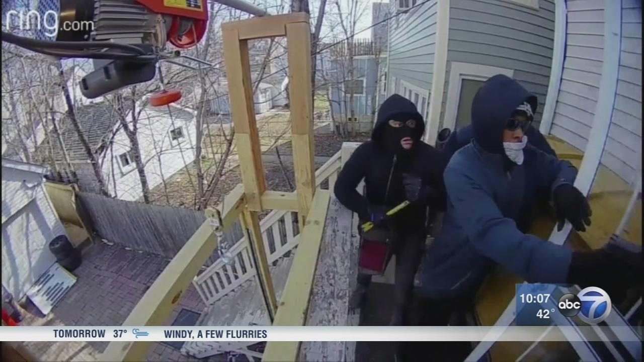 Security cameras captures attempted break-in in Irving Park