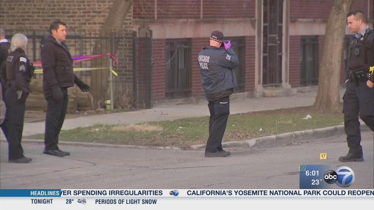 Boy killed, 14 wounded in weekend Chicago shootings