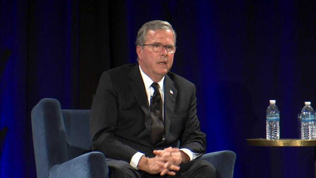 Jeb Bush talks about mom at Elmhurst College forum: Im so blessed to be her son