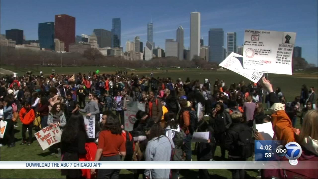 Chicago students walk out to protest gun violence