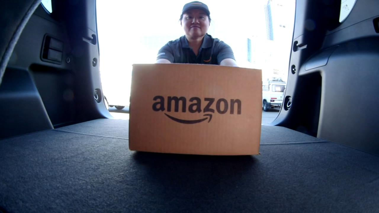 Amazon launches delivery to cars in Chicago