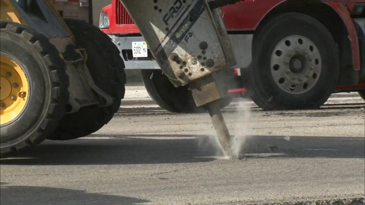Chicagos street paving season gets underway Tuesday