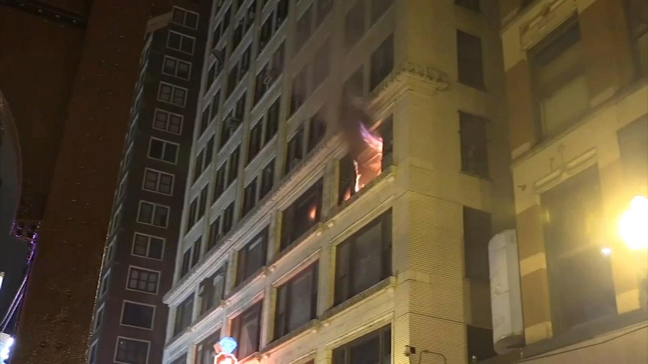2 firefighters hurt in Jewelers Row high-rise fire in Loop