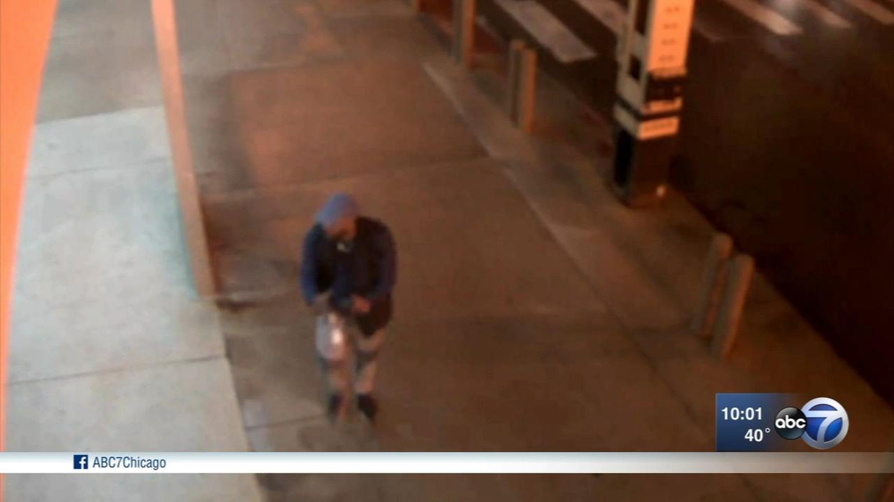 Police seek suspect in Loop stabbing