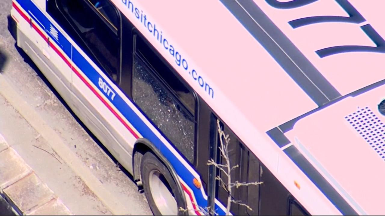 Boy, 15, struck by bullet on CTA bus in Chicago Lawn | abc7chicago.com