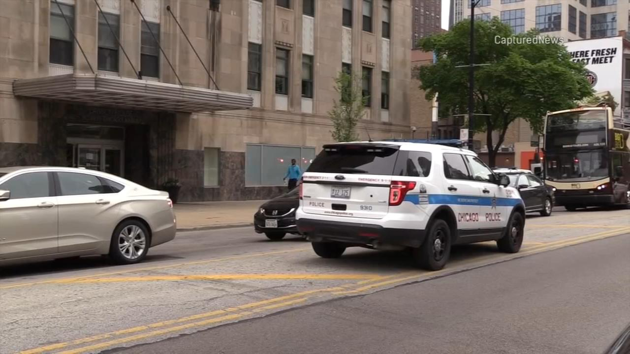 1 man dead, 1 in custody after stabbing on Near North Side: police