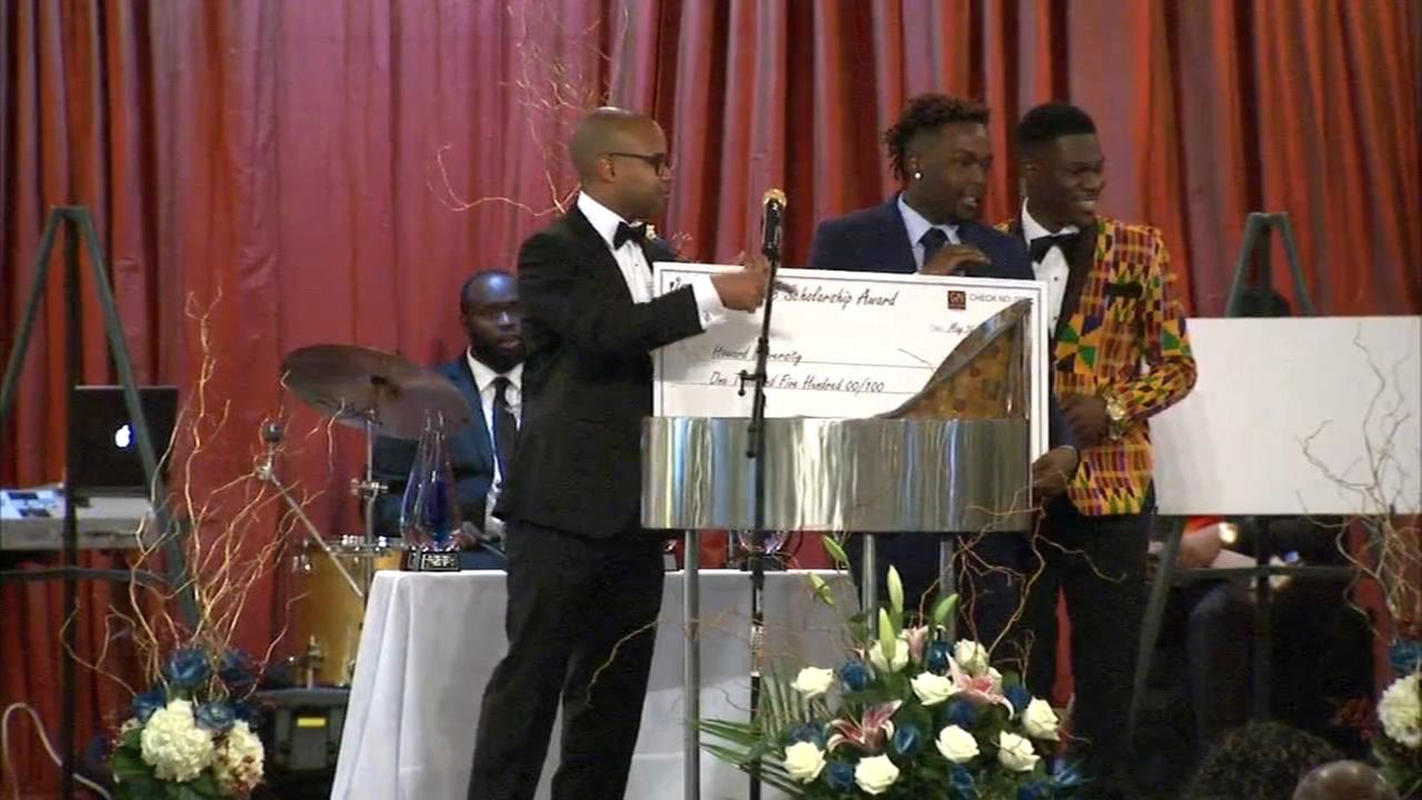 Richton Park senior receives scholarship for students affected by gun violence