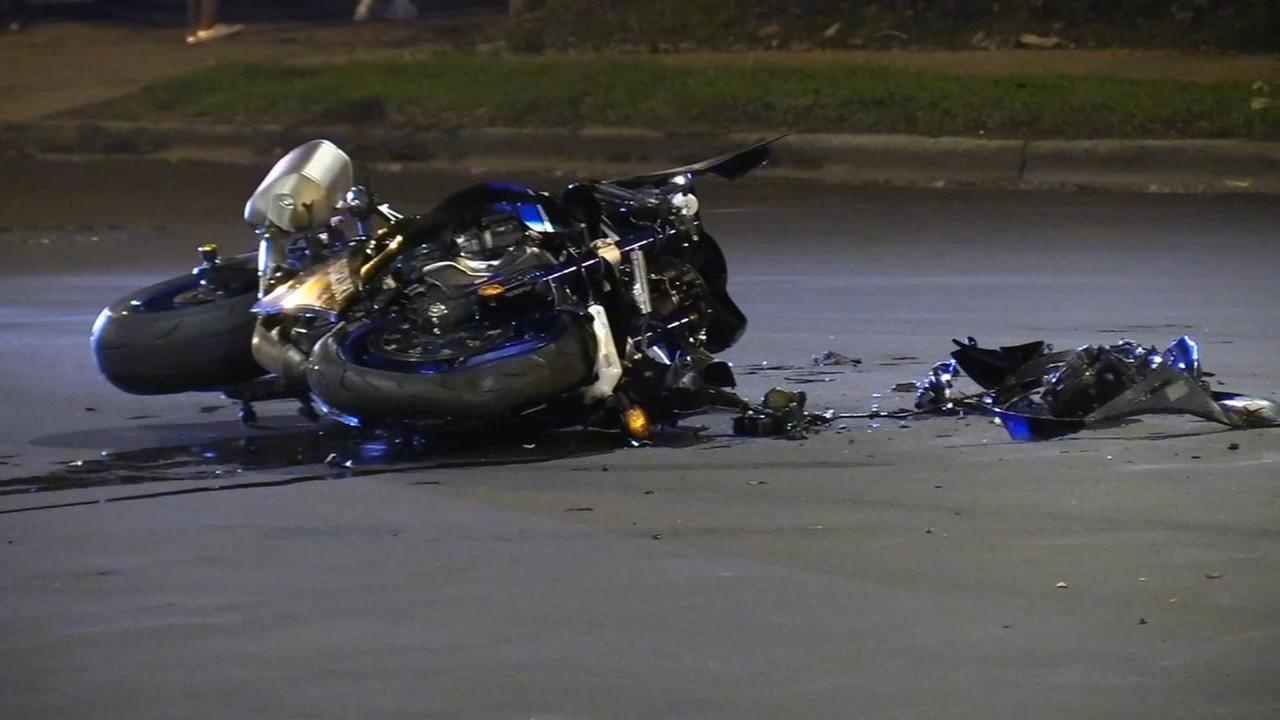 Motorcyclist injured in Grand Crossing hit-and-run crash