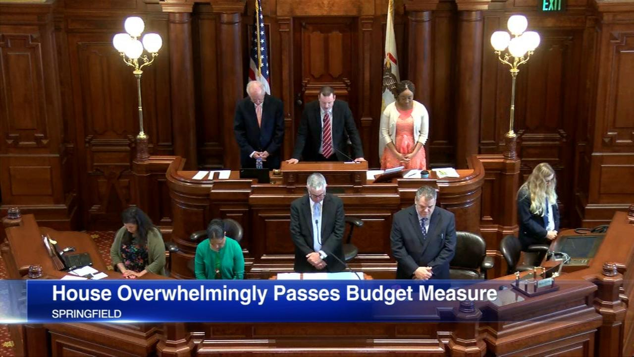 Illinois House passes budget