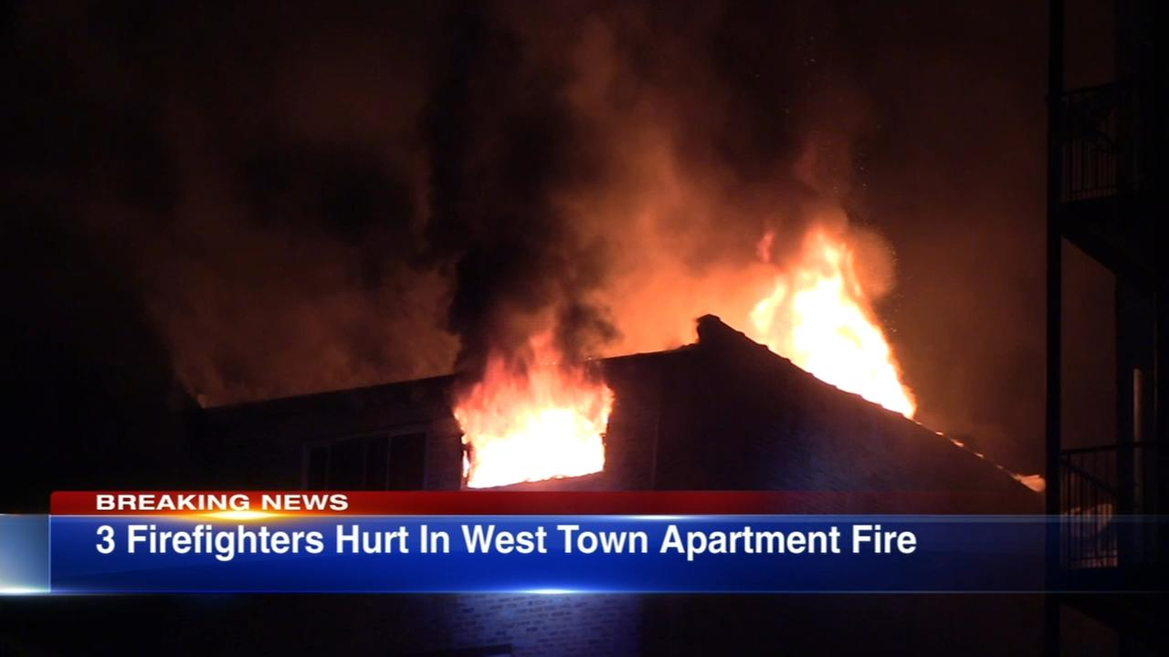 3 firefighters hurt in West Town fire