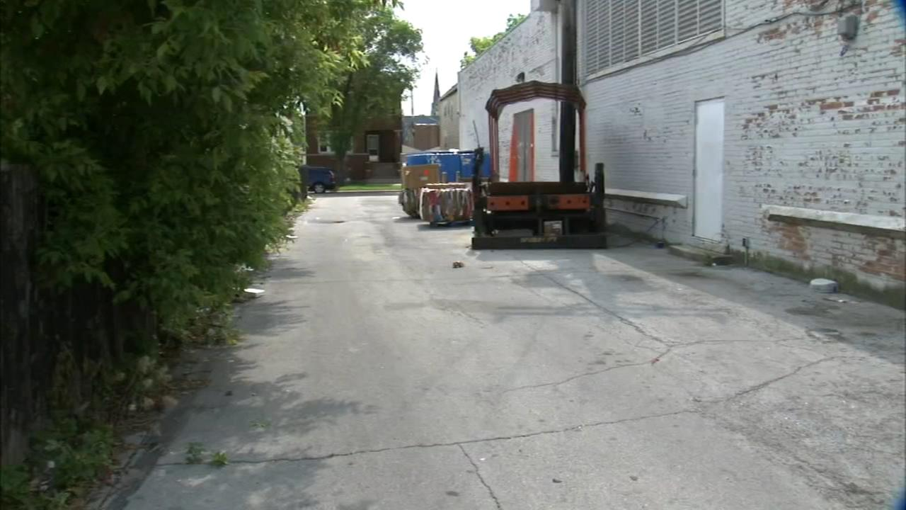 Woman dragged into alley, sexually assaulted in South Chicago