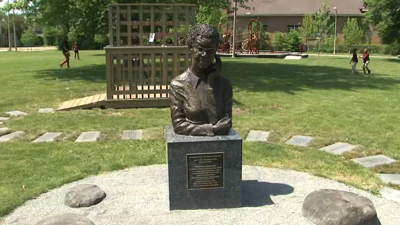 Gwendolyn Brooks statue unveiled at namesake park in Kenwood