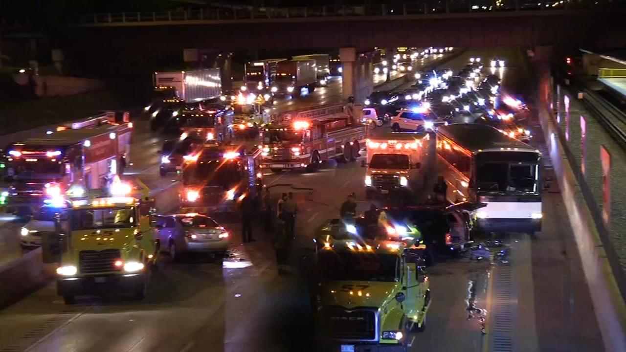 5 injured in wrong-way crash on Dan Ryan at 63rd