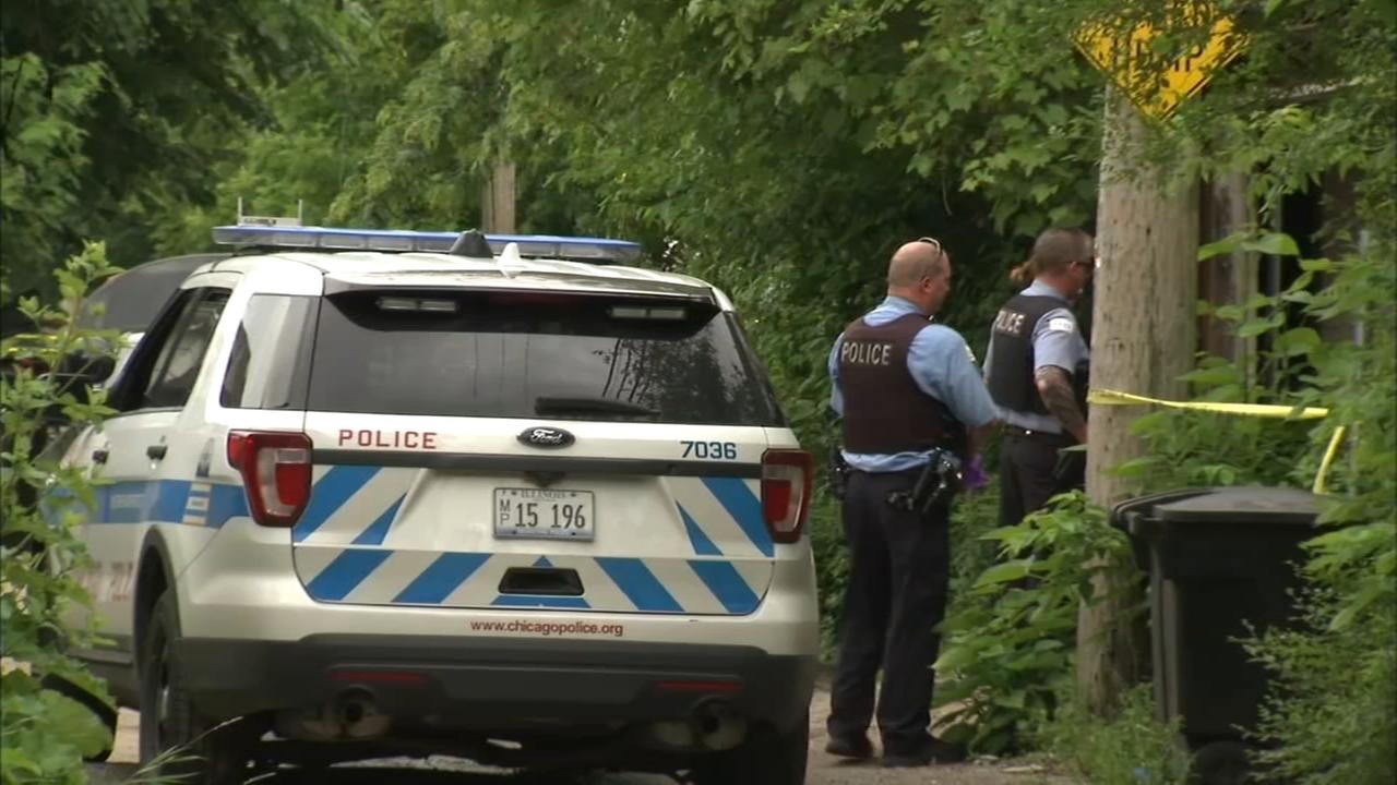 Womans body discovered in Far South Side garage