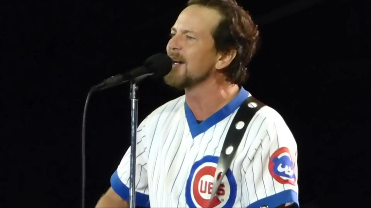 Eddie Vedders vinyl single to be released with Cubs tickets