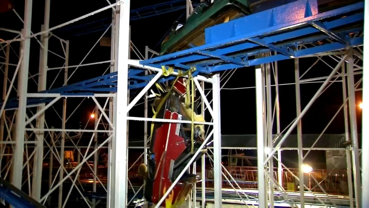 Riders plunge 34 feet from roller coaster in Florida, 6 injured