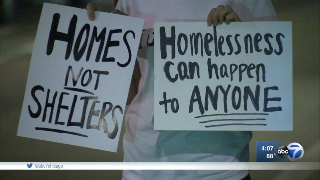 U of C releases homelessness study as Lower Wacker Drive encampment cleared