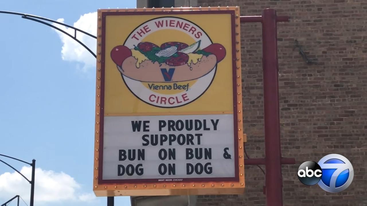 Chicagos Wiener Circle creates buzz with Pride slogan