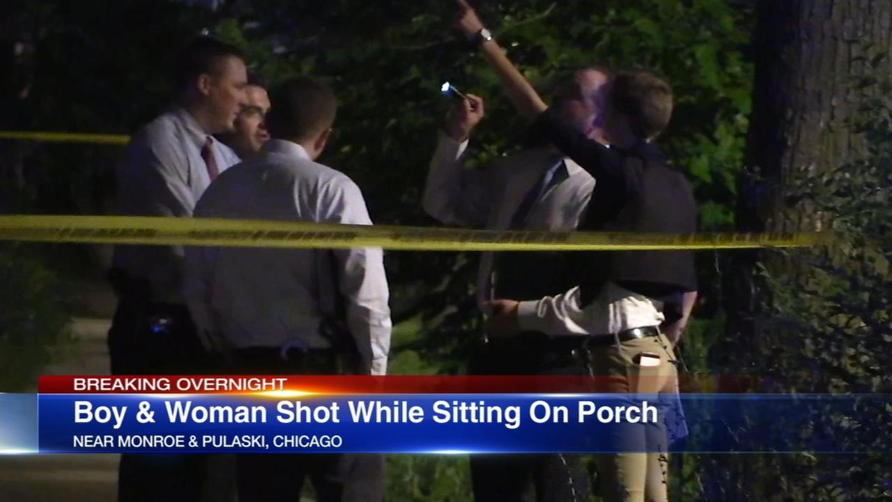 2 teens shot in West Garfield Park drive-by