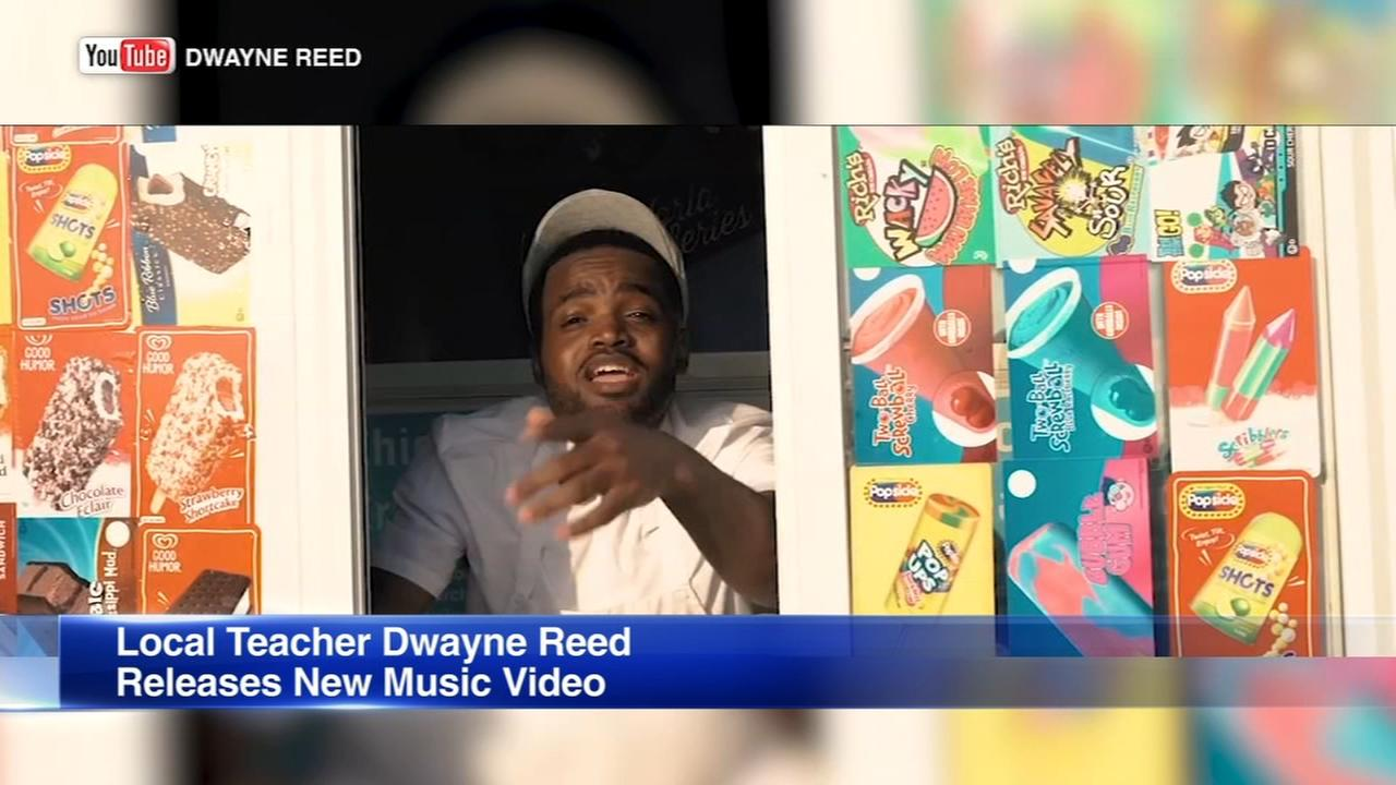 Singing Chicago teacher Dwayne Reed releases new music video