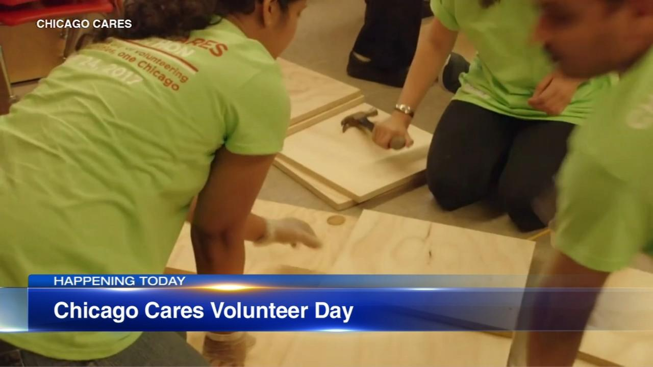 Annual Chicago Cares Serve-a-thon kicking off in Daley Plaza