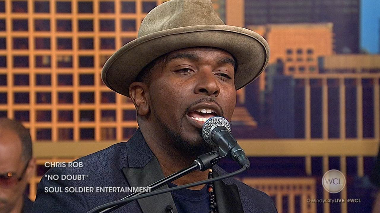 Chicago Music Series: Musician Chris Rob performs