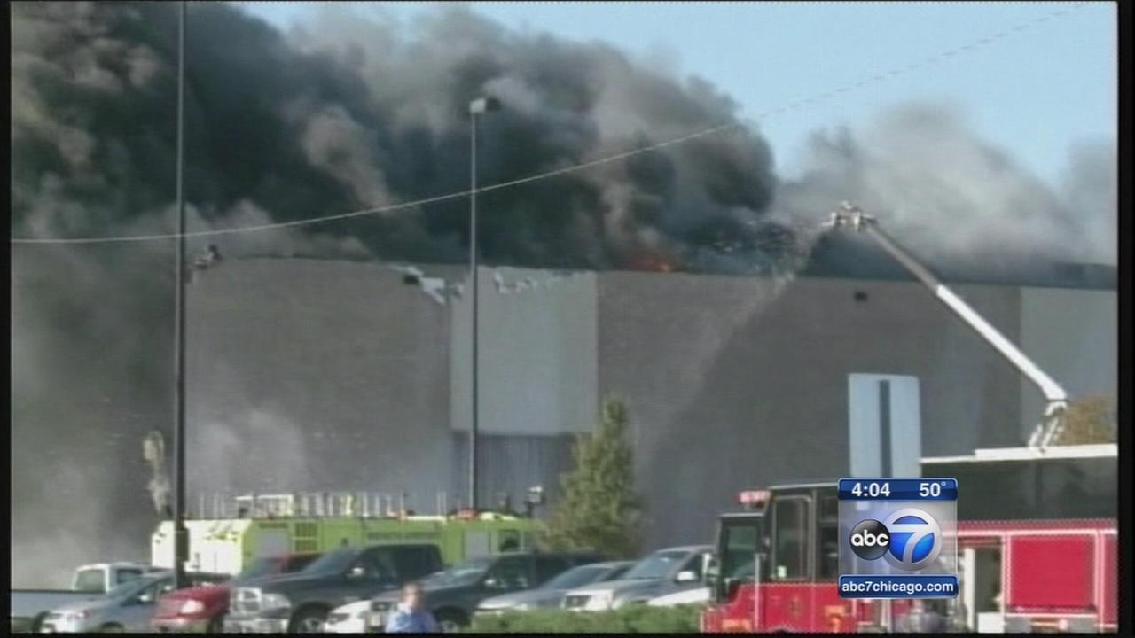 At least 4 dead in plane crash at Wichita airport