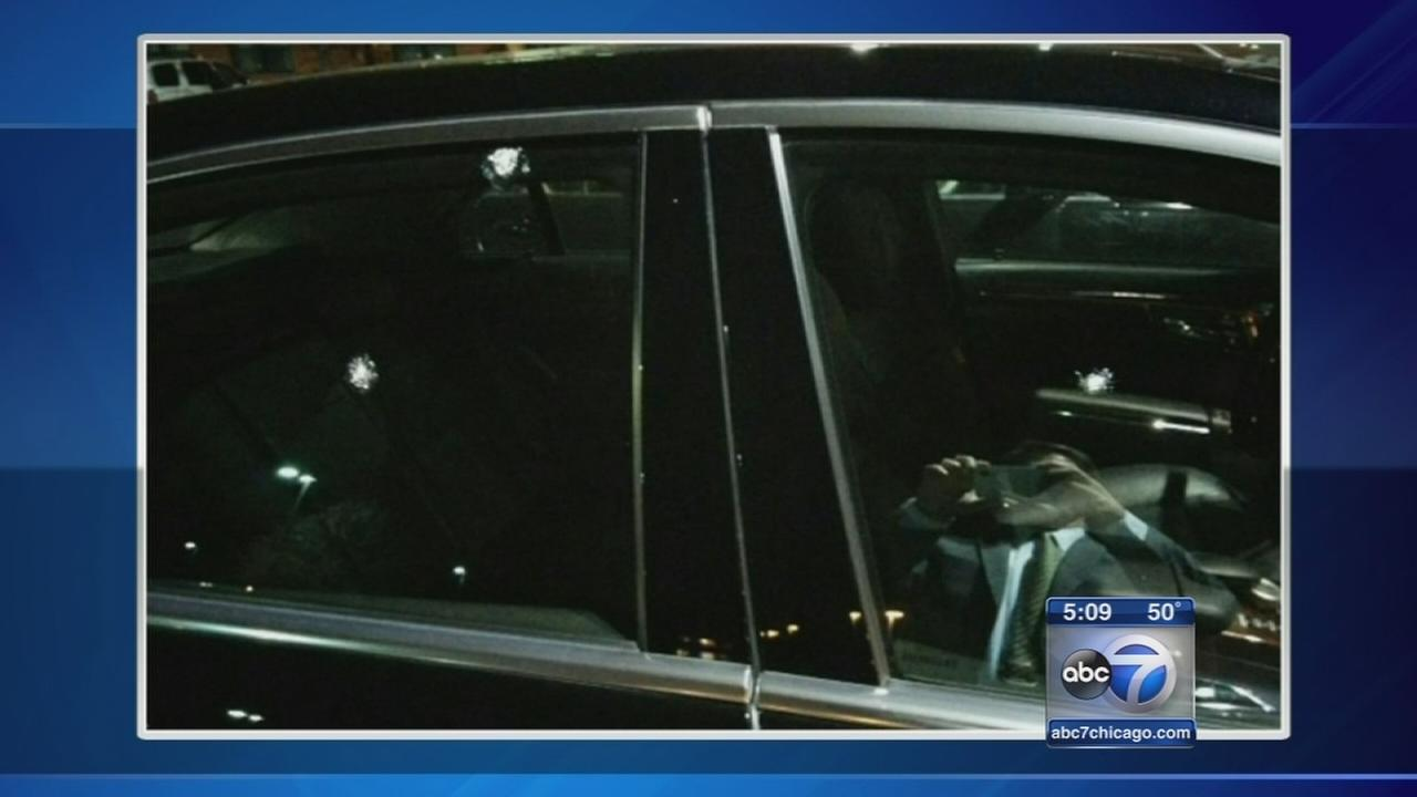 Car apparently shot by pellet gun on Eisenhower Expy