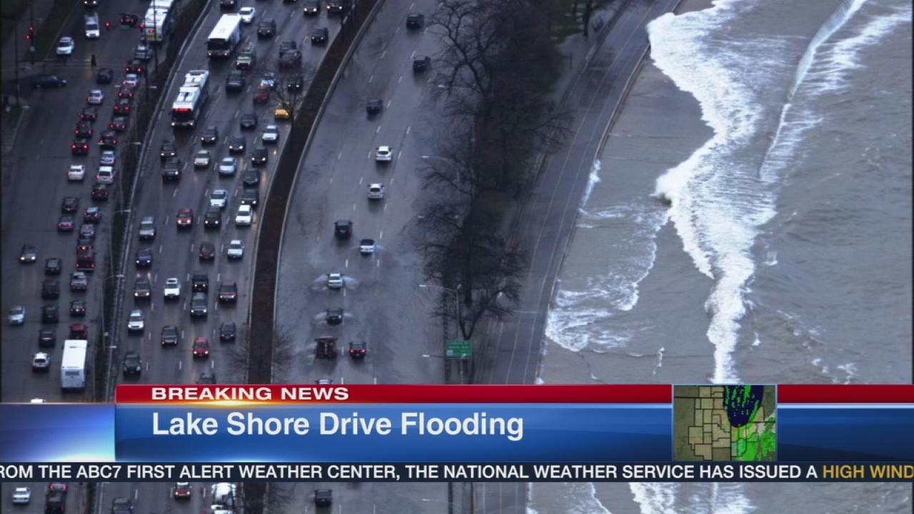 High waves close lanes, delay traffic on LSD