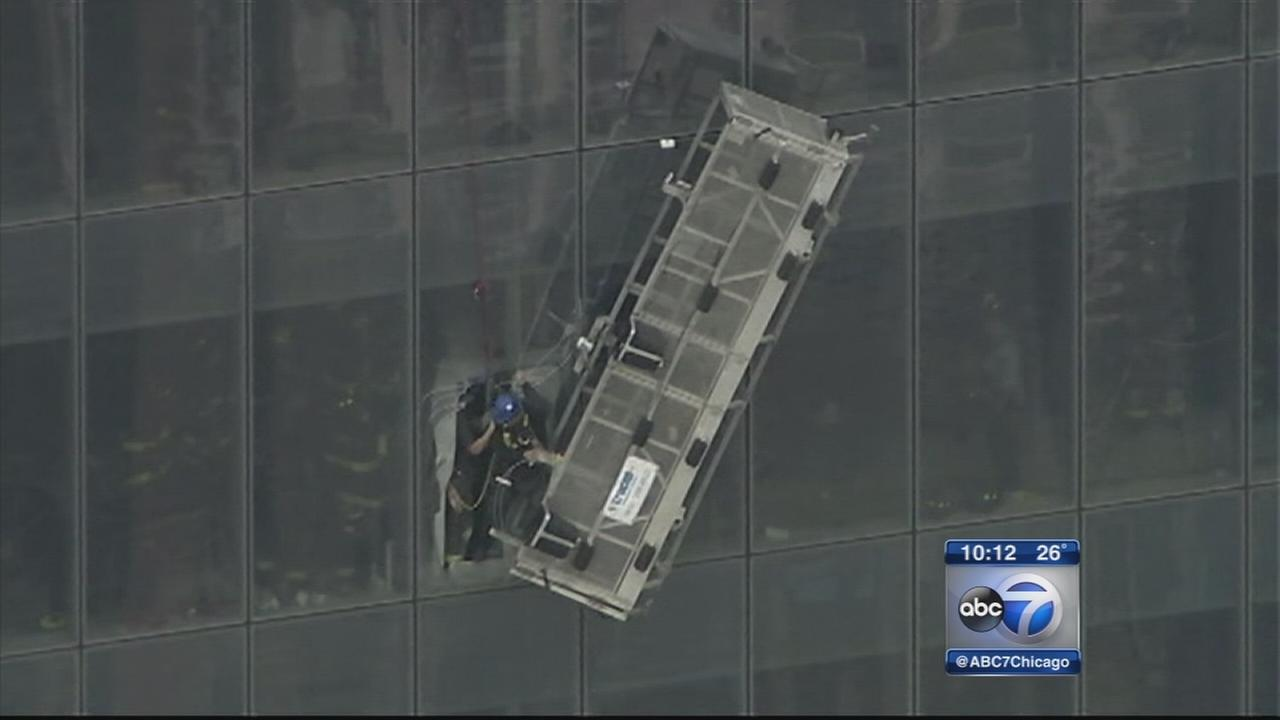 Workers rescued from 1 World Trade scaffold
