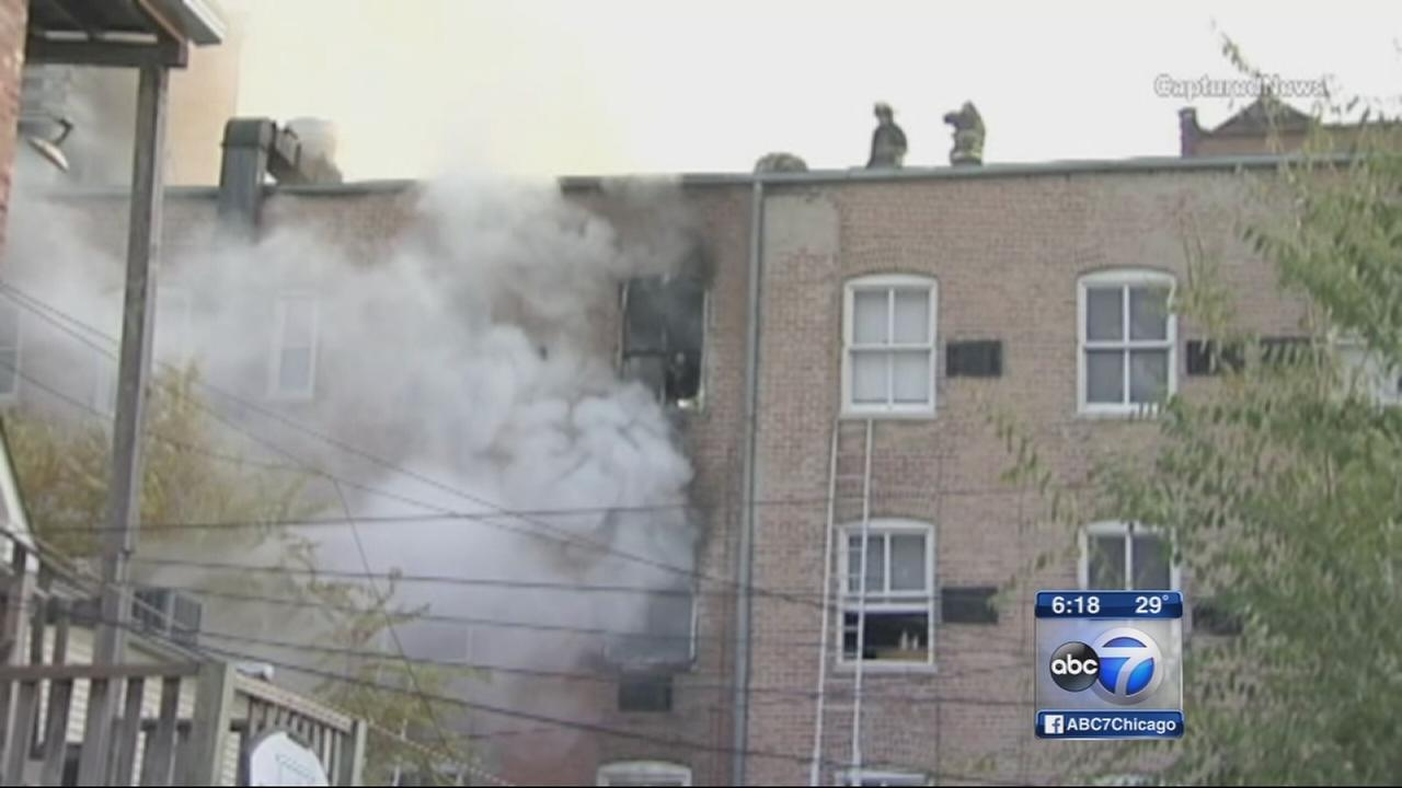 4 injured in East Garfield Park hotel fire