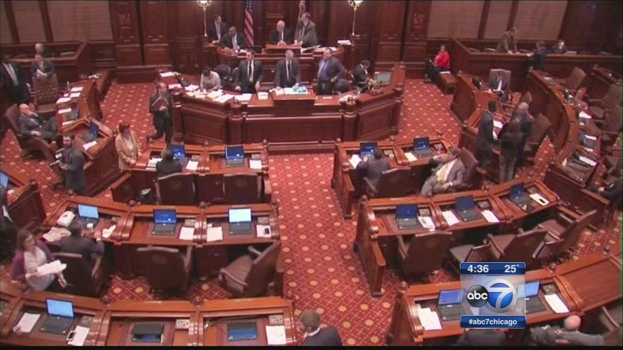 Illinois pension overhaul case heard in court