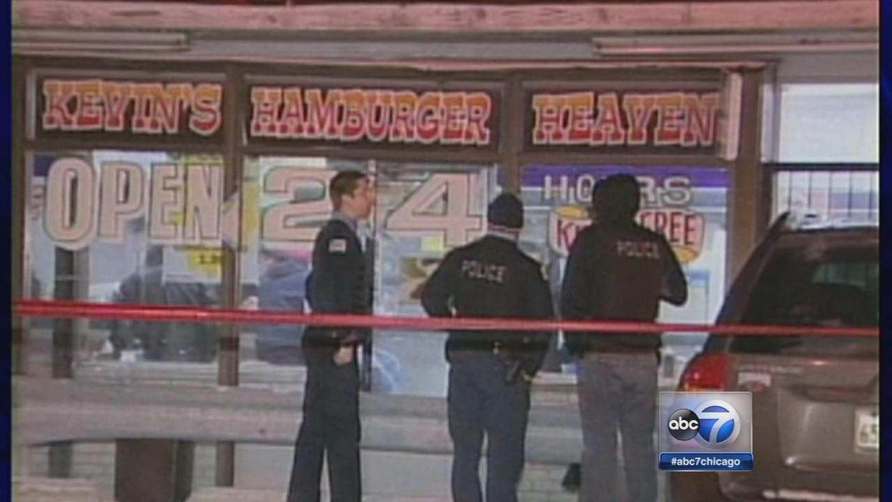 Security guard shot during robbery in Bridgeport