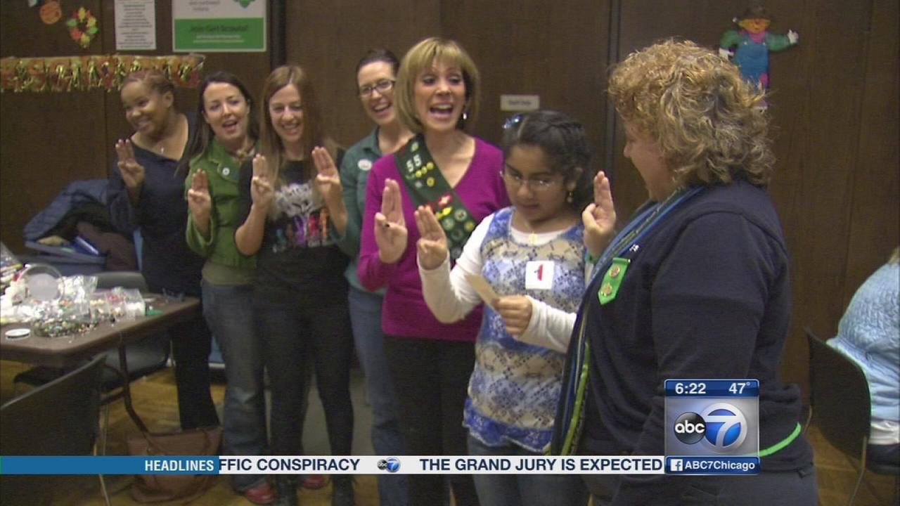 Girl Scouts celebrate Thanksgiving at UIC Childrens
