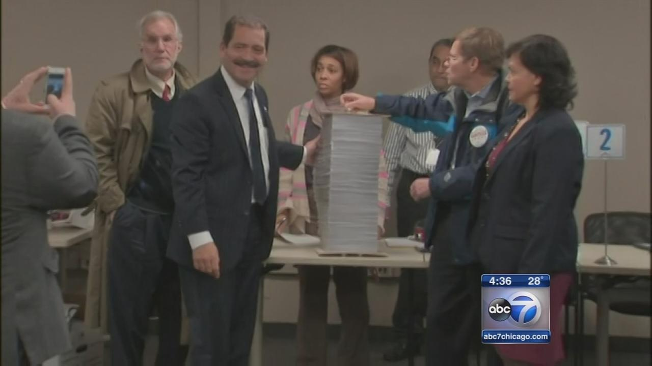 Candidates line up to challenge Mayor Emanuel